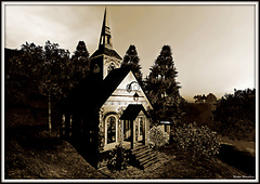 Chapel_in_the_woods