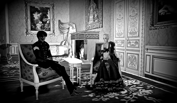 Babe & Syril in Chateau de Versailles b&w