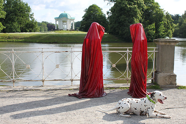 contemporary-art-show-documenta-show-time-guards-manfred-kielnhofer