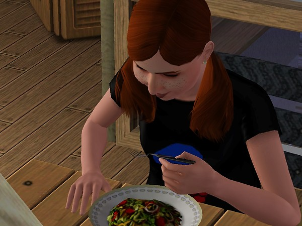 Aline eating