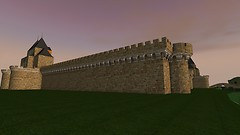 Vista lateral exterior del Castillo de Cabezas