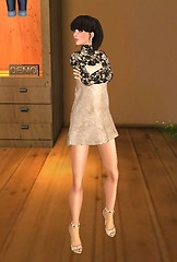 SL Sartorialist -- Shaylee Skytower at Drift main store