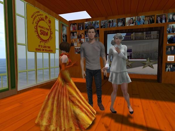 Flat Ebbe Linden Dances at Non-Profit Commons - chimera.cosmos