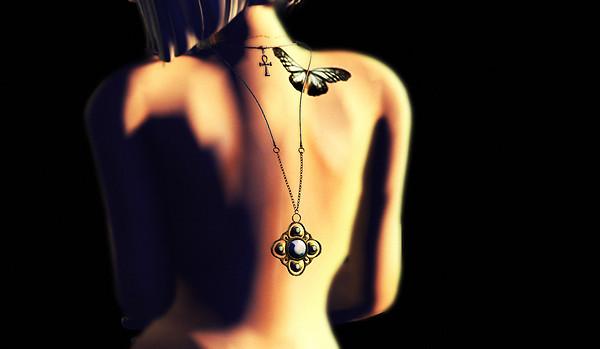 tiffy-necklace-back