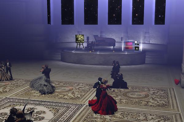 Piano play & dance