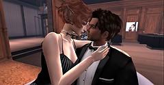 James Bond & Miss Roxy close